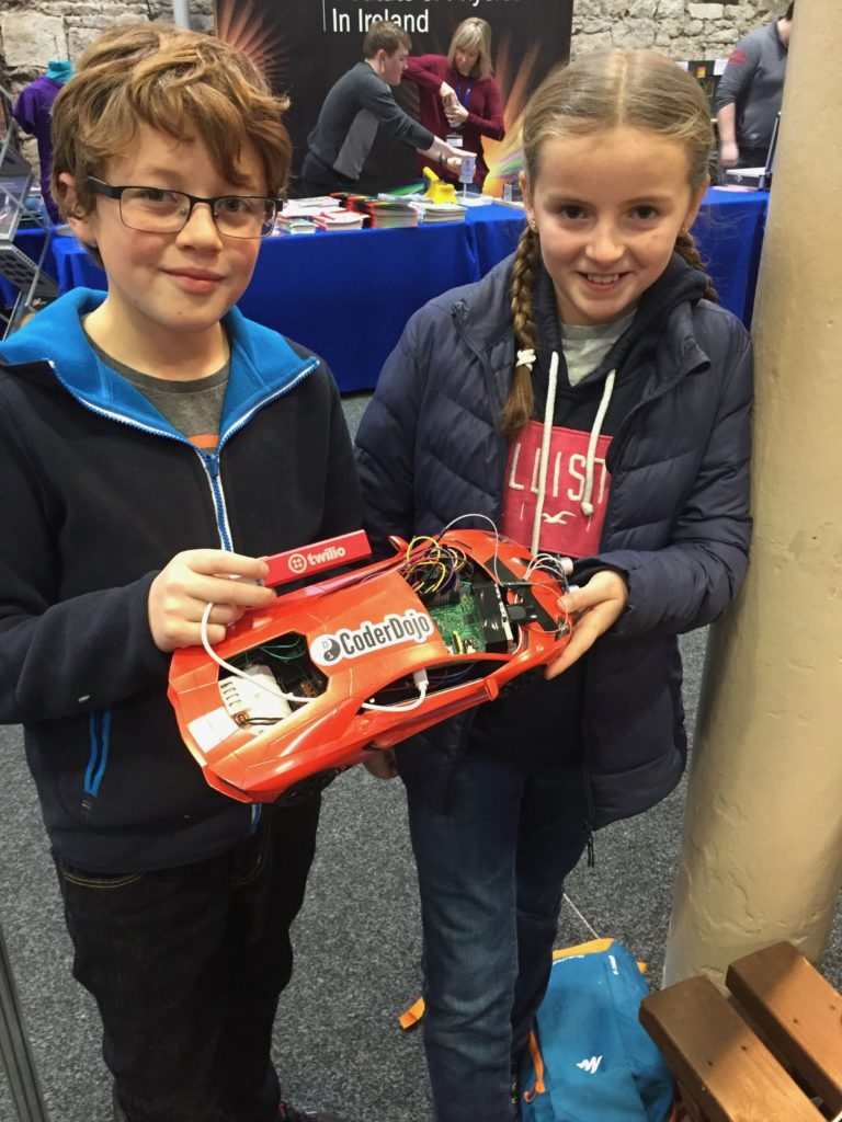 Lucas and Evie have made this self driving car using sensors and a raspberry Pi!